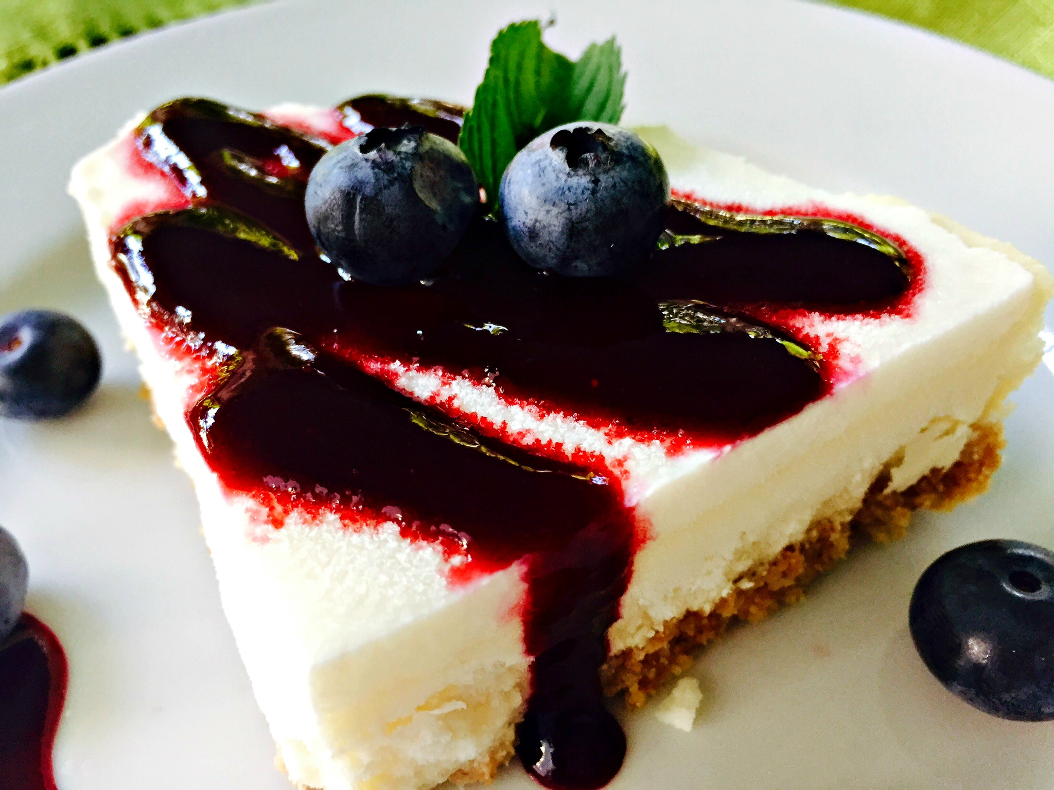 Delicious Cheesecake with Blueberry Sauce