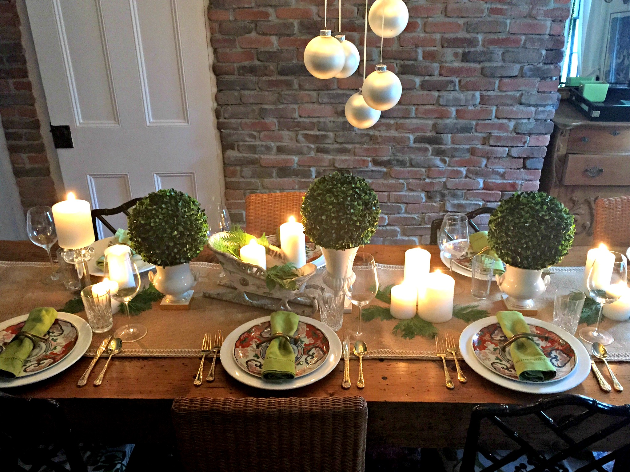 ohv-holiday-table-setting-c